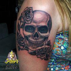 Jeffart Tattoo Studio - Tatuagens exclusivas, personalizadas com o maior profissionalismo.: skull crânio tattoo com rosas