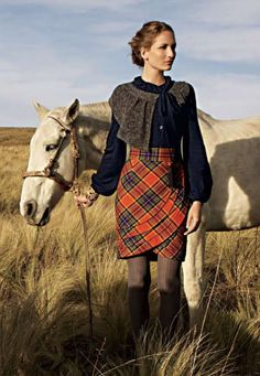 Tartan Plaid Skirt from Anthropologie Tartan Mode, Tartan Plaid, Plaid Coat, Tartan Fashion, Look Fashion, Gothic Fashion, Fall Fashion, Art Chanel, Casual Outfits