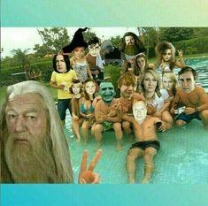 harry potter ⚯͛ Harry Potter Disney, Draco Harry Potter, Harry Potter Tumblr, Photo Harry Potter, Memes Do Harry Potter, Estilo Harry Potter, Harry Potter Comics, Mundo Harry Potter, Harry Potter Wizard