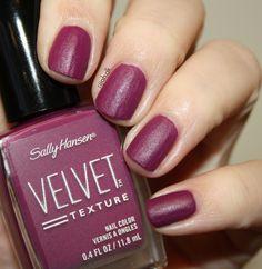 Sally Hansen Velvet Texture Crushed #sallyhansen #velvettexture #crushed #neglelak #nailpolish #swatches