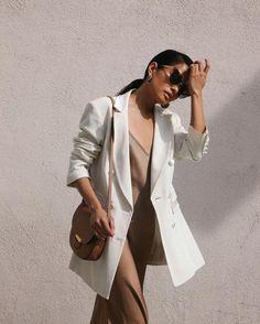 all-neutral outfit always looks incredibly chic Urban Fashion, Trendy Fashion, Boho Fashion, Fashion Trends, Fashion Inspiration, Style Fashion, High Fashion, Winter Fashion, Vintage Fashion