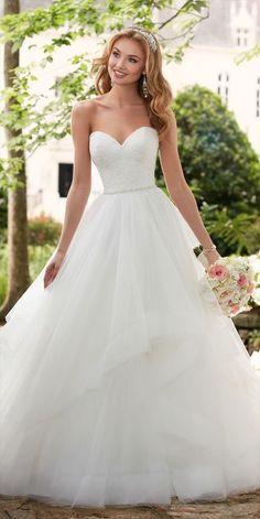 Spring 2017 Wedding Dresses, Dream Wedding Dresses, Bridal Dresses, Wedding Gowns, Lace Wedding, Bridesmaid Dresses, Spring Wedding, Wedding Ceremony, Civil Wedding