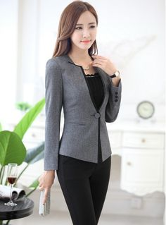 21 elegant work outfits every woman should own 5 Classy Work Outfits, Office Outfits, Casual Outfits, Blazer Outfits, Suit Fashion, Work Fashion, Fashion Dresses, Fashion Design, Fashion Top