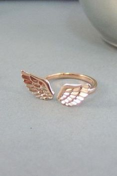 Rose Gold Guardian Angel Wing Ring, Good Luck Charm Jewelry Gift for . Rose Gold Guardian Angel Wing Ring, Good Luck Charm Jewelry Gift for Girl , Woman Cute Jewelry, Charm Jewelry, Jewelry Gifts, Jewelry Accessories, Fashion Accessories, Jewelry Design, Fashion Jewelry, Rose Gold Jewelry, Bridal Jewelry