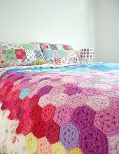 RESERVED Kaleidoscope crochet hexagon blanket afghan. $800.00, via Etsy. Como las que hizo Tita V.