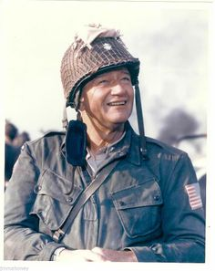 John Wayne in 'The Longest Day' Hollywood Actor, Classic Hollywood, Le Jour Le Plus Long, John Wayne Movies, Old Movie Stars, Actor John, Movie Costumes, Classic Movies, Movie Theater