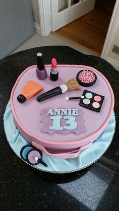 Make up cosmetic bag teenager birthday cake
