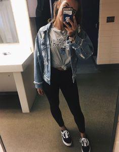 winter outfits 2018 Pin von Tori Guerrero an Zurck - winteroutfits Winter Outfits For Teen Girls, Winter Outfits For School, Fall Winter Outfits, Outfits For Teens, Trendy Outfits, Summer Outfits, Cute Outfits, Winter Clothes, Fall College Outfits
