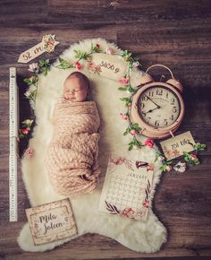 The fur naissance part naissance bebe W. The fur naissance part naissance bebe Newborn Pictures, Baby Pictures, Baby Monthly Pictures, Newborn Pics, Baby Kind, Baby Love, Baby Baby, Baby Birth, Foto Baby