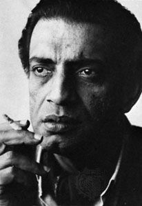 Satyajit Ray was presented with an Honorary Oscar in 1991 in recognition of his rare mastery of the art of motion pictures, and of his profound humanitarian outlook, which has had an indelible influence on filmmakers and audiences throughout the world. Best Director, Film Director, Satyajit Ray, Ray Film, Good People, Celebrity Photos, Filmmaking, The Man, Literature