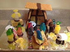Graham cracker nativity scene