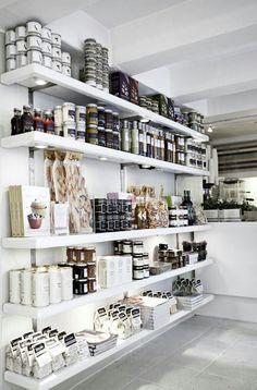 The Secret Kitchen ~ Gourmet Food Store – these open ended shelves really help t… - Home Professional Decoration Design Shop, Shop Front Design, Design Design, Design Ideas, Food Design, Retail Shelving, Store Shelving, Gourmet Food Store, Regal Design