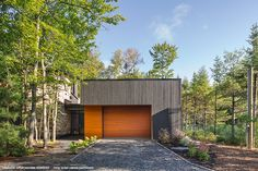 This beautiful contemporary house by the firm Dufour Ducharme Architects highlights our genuine wood siding. Wood Siding, Exterior Siding, Cladding Materials, Architecture, Photos, Contemporary, Dufour, File, Outdoor Decor