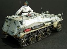Sd.Kfz.253 by Peter Frohlich (Tamiya + Plus Models 1/35)