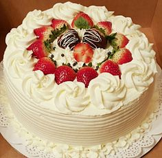 New cake decorating strawberries berries ideas - Cake Decorating Dıy Ideen Chocolate Cake Recipe Easy, Chocolate Recipes, Chocolate Art, Cake Decorating Techniques, Cake Decorating Tips, Cake Icing, Buttercream Cake, Cake Mix Muffins, Fruit Birthday Cake