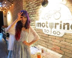 Hong Kong fashion blogger La Carmina has red purple ombre hair, in an asymmetrical haircut! Wearing Liz Lisa babydoll lace dress at Motorino Pizza in Soho, Central. More outfit of the day pics:    http://www.lacarmina.com/blog/2013/07/motorino-hong-kong-pizza-purple-hair-chinese-fashion-blogger/    chinese fashion blogger, outfit post, gyaru japan