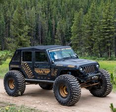 Save by Hermie Master Chief Jeep Xj, Jeep Rubicon, Wrangler Jeep, Hummer Truck, Jeep Truck, Jeep Images, Jeep Wheels, Jeep Trails, Jeep Wave
