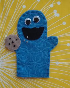 Learn-to-Sew Cookie  Felt puppets are a great project to teach children the very basics of hand-sewing.  Here's how to use this same puppet pattern as a Stitching 101 tutorial for your kiddo!        Cut out pattern and pieces as for No-Sew version.