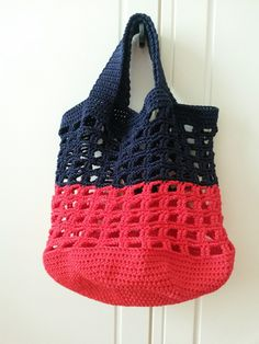 50 crochet patterns for cool accessories - complete your outfit! 50 crochet patterns for cool accessories - complete your outfit! Double Crochet, Crochet Baby, Free Crochet, Knit Crochet, Knitted Bags, Knitted Blankets, Sac Granny Square, Poncho Style, Poncho Outfit