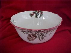 NEW 2014 BETTER HOMES AND GARDEN HERITAGE COLLECTION MISTLETOE - LG SERVING BOWL #BetterHomesGardens