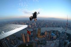 Here are some of the destinations around the world for extreme sports such as skydiving, bungee jumping, paragliding, etc. Base Jumping, Dangerous Sports, Paragliding, Skydiving, World Of Sports, Surfing, City, Places, Bucket