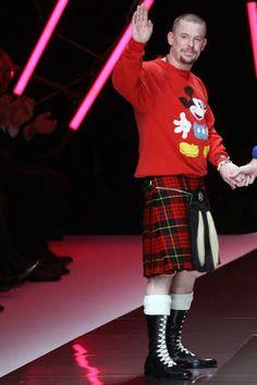 Alexander McQueen in a rare Disney sweatshirt. Unique Fashion, Mens Fashion, Fashion Design, Modern Kilts, Alexander Mcqueen, Boys Wearing Skirts, Tartan Fashion, Man Skirt, Men In Kilts