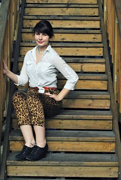 Stranger Than Vintage: What I Wore Wednesday: The Leopard Love Edition - my hair looks stupid, but I love the pants in this #outfit too much.