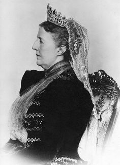 The first royal lady to be photographed wearing the tiara was Queen Sophia of Sweden, granddaughter to Empress Josephine and wife to Osca II of Sweden. Sweden and Norway were in effect a single country until 1905, see previous pins on Queen Maud.