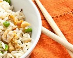 Riz cantonnais express pour 1 personne : http://www.fourchette-et-bikini.fr/recettes/recettes-minceur/riz-cantonnais-express-pour-1-personne.html