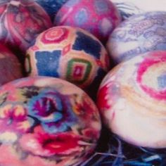 EASTER EGGS SILK DYED..........site