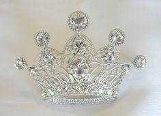 Filigree Crown Pin, PE4357