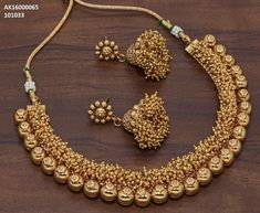 Gold Jewelry In Italy Gold Temple Jewellery, Gold Jewelry, Jewelry Design Earrings, Necklace Designs, Gold Set Design, Indian Jewelry Sets, Bridal Jewelry, Bridal Necklace, Gold Necklace