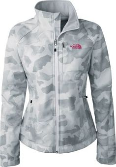 The most versatile jacket in The North Face's Apex soft-shell collection. The standard-fit Apex Bionic Jacket provides four-way stretch, excellent breathability, water resistance and thermal protection from cold winds. Fall Winter Outfits, Winter Wear, Autumn Winter Fashion, North Face Women, The North Face, North Faces, Sweater Jacket, Camo Jacket, Sport Wear