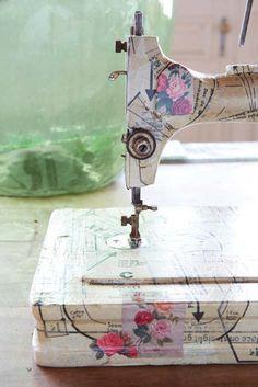 Decoupage a sewing machine- supercool.