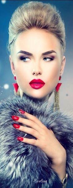 Gorgeous Nail Designs For Special Events Beautiful Lips, Beautiful Women, Fabulous Furs, Glamour Shots, Red Lipsticks, Woman Face, Color Splash, Beauty Women, Makeup Looks