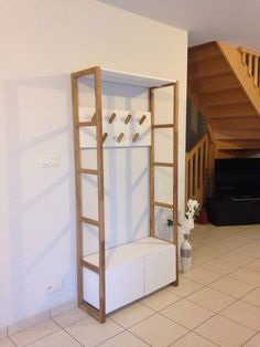 Vestiaire entr e on pinterest changing room closet rod - Meuble escalier la redoute ...