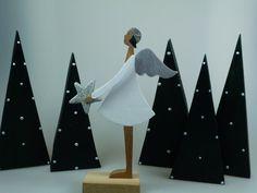 Engel mit Stern - Weihnachtsfigur - Holzfigur von mw-holzkunst auf DaWanda.com
