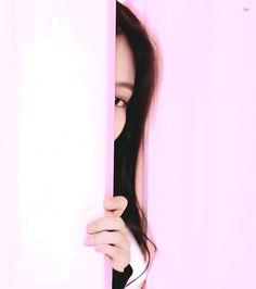 BlackPink Reactions/Girl x Girl and Friendship Kpop Girl Groups, Korean Girl Groups, Kpop Girls, Blackpink Video, Foto E Video, Kim Jennie, Lisa Blackpink Wallpaper, Black Pink Kpop, Blackpink Memes