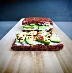 Salmon Burgers, Avocado Toast, Gluten, Breakfast, Ethnic Recipes, Food, Kitchen, Healthy Sandwiches, Delicious Sandwiches
