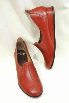 DEAD STOCK 40'S~ STAR BRAND LOW WEDGE SLIP ON LEATHER SHOES (R.BRN)