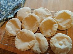 Pita Bread with Sourdough Discard - Mon Appétit Recipe Using Sourdough Starter, Sourdough Recipes, Sourdough Bread, Bread Recipes, Types Of Flour, Pita Bread, Instant Yeast, Cook At Home, Simple Pleasures
