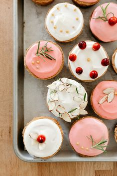 mazariner (my name is yeh) Chocolate Cream Cheese, Thing 1, Bakery, Sweet Treats, Christmas Cupcakes, Christmas Sweets, Christmas Kitchen, Christmas Baking, Cake
