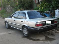 MY FIRST CAR ! haha a toyota corolla 1990. i misss that carr.