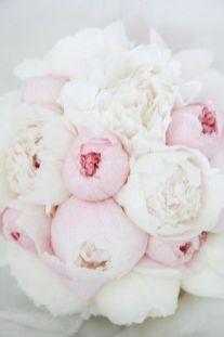 Biało-różowy bukiet ślubny - piwonie