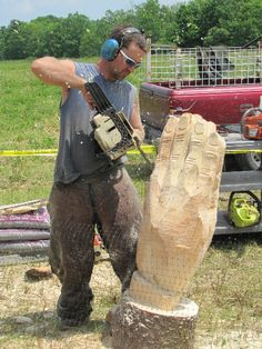 Chainsaw Artist Erin, NY