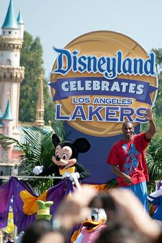 Disneyland Hosts Victory Parade for Los Angeles Lakers - http://hoopsternation.com/disneyland-hosts-victory-parade-for-los-angeles-lakers-2/