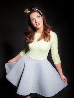 Sukienka z rozkloszowanym dołem w evlin na DaWanda.com