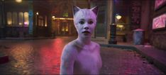Francesca Hayward plays Victoria, the shy white kitten, in director Tom Hooper's adaptation of Andrew Lloyd Webber's musical. Hd Movies, Movies Online, Musical Cats, Francesca Hayward, Cat Movie, Film Movie, Best Christmas Movies, Christmas Ideas, Amblin Entertainment