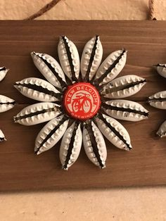 place to buy and sell all things handmade - Medium three flower Beer Cap Art, Beer Bottle Caps, Bottle Cap Art, Beer Caps, Bottle Top Crafts, Bottle Cap Projects, Diy Bottle, Crafts To Make, Fun Crafts