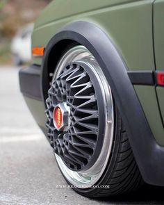 Campagnolo wheels f1 cars cool yet strange for Garage audi agde